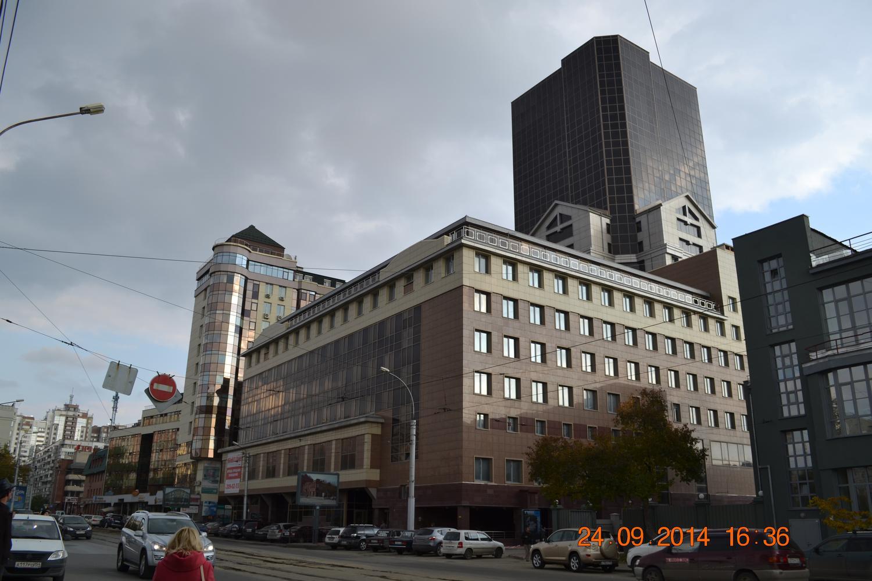Каркас административного здания с помещениями общественного назначения, с подземной трехуровневой автостоянкой и встроенной ТП по Депутатской улице в г.Новосибирске.